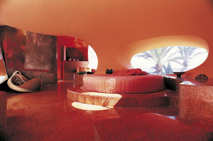 pierre cardin s palais bulles a k a the bubble palace. Black Bedroom Furniture Sets. Home Design Ideas